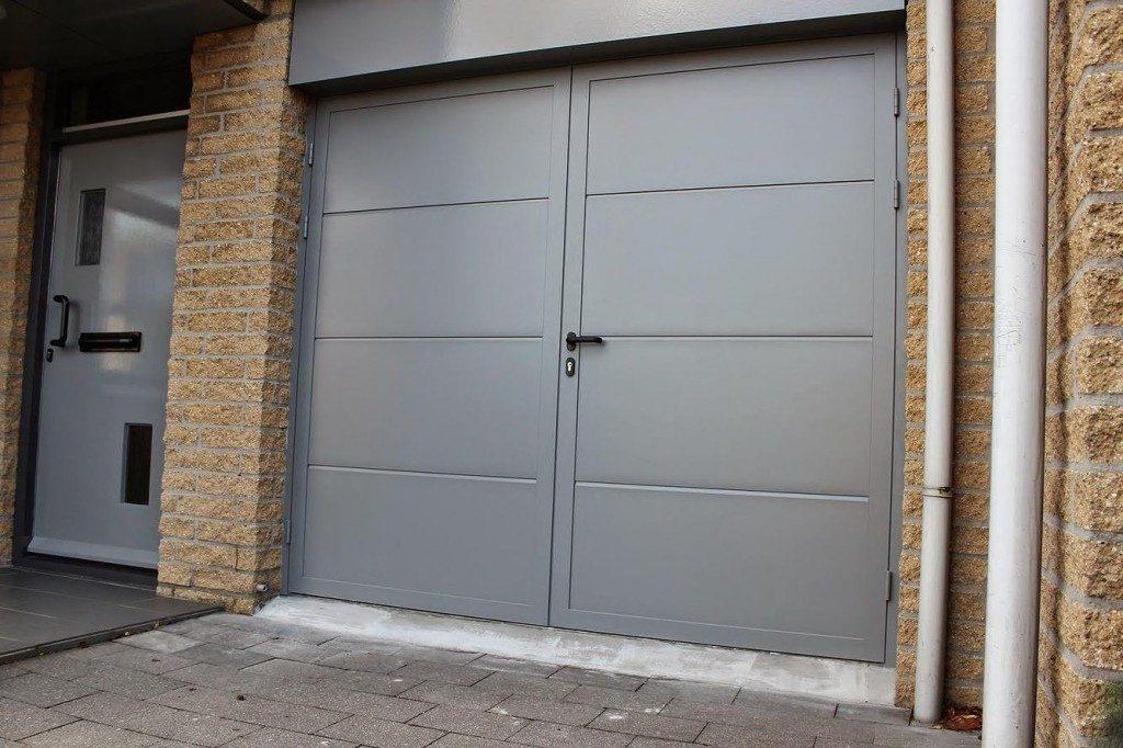 Voorkeur ✓ Garagedeur met loopdeur voor in en uitloop gemak | Brabant Deur &KO25